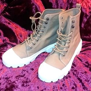 NWT H&M Platform High Top Boots